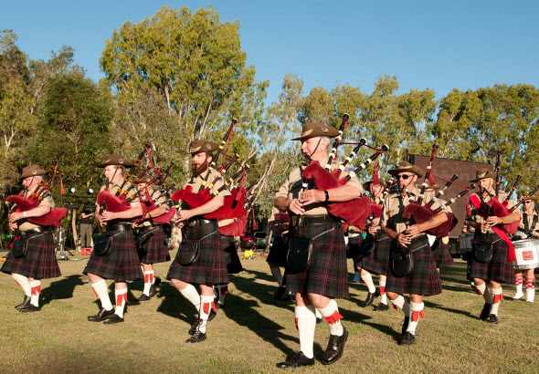 pipes-drums-march-in